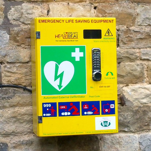 Defibrillator situated at the Horse and Jockey